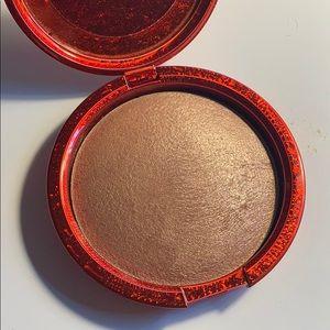 MAC Cosmetics Makeup - Mac limited edition skinfinish